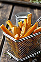 Sweet potato fries with rosmary in chip basket - CSF28322