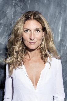 Portrait of confident blond woman - PNEF00085