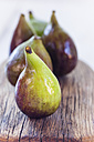 Figs on wood - SBDF03314