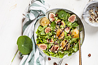 Platter of green salad with figs, Crema di Balsamico, honey hazelnuts and baked goat cheese - SBDF03317