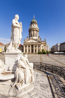 Germany, Berlin, Gendarmenmarkt, view to French Cathedral with statue of Friedrich Schiller in the foreground - WDF04168