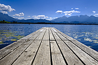 Germany, Bavaria, Swabia, East Allgaeu, Fuessen, Hopfen am See, Hopfensee, wooden boardwalk - LBF01687