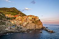 Italy, Liguria, Cinque Terre, Manarola in the evening - PUF00838