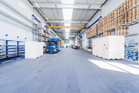 Factory hall with truck and pallets - DIGF02904