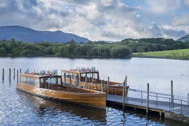 Great Britain, England, Lake District National Park, Keswick, lake, boats - STSF01320