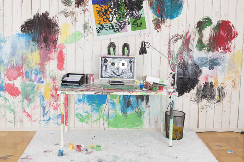 Office painted with colorful finger paint - DRF01734