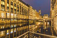 Germany, Hamburg, Bleichenfleet in the evening - KEBF00641