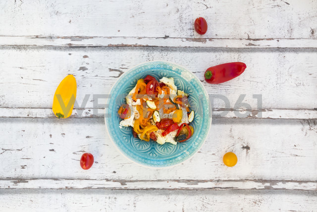 Baked goat cheese with paprika, tomato and zucchini - LVF06354