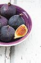 Bio figs in a bowl - LVF06381