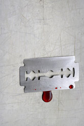 Razor blade with blood - HSTF00052