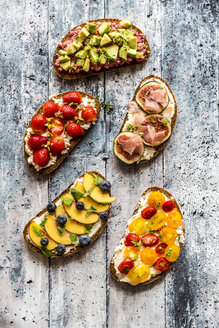 Different sandwiches, strawberry, fig, nectarine, avocado, tomato - SARF03401