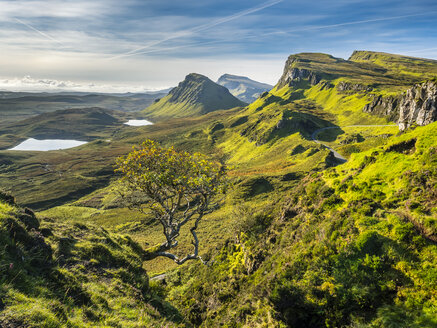 Great Britain, Scotland, Isle of Skye, Mountain pass near Quiraing - STSF01345