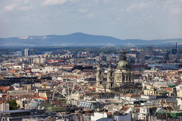 Hungary, Budapest, cityscape with St. Stephen's Basilica and Ferris Wheel - ABOF00306
