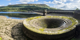 Great Britain, England, Derbyshire, Peak District, Ladybower Reservoir, overflow - STSF01374
