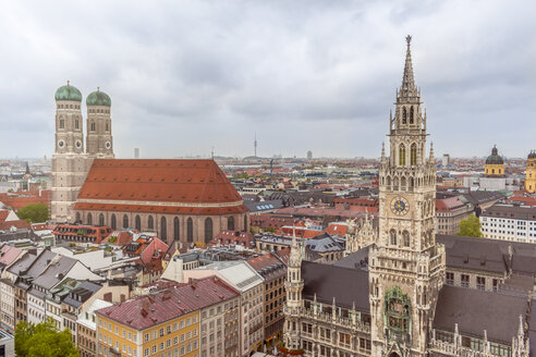 Germany, Bavaria, Munich, Church of Our Lady and New Town Hall at Marienplatz - MMAF00188