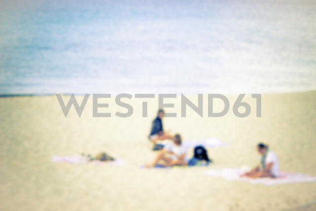 Three people on the beach - CMF00746 - Christine Müller/Westend61