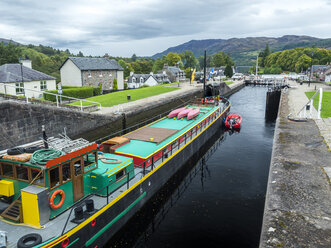 UK, Scotland, Highland, Loch Ness, Caledonian Canal, Fort Augustus sluice - STSF01403