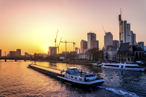 Germany, Frankfurt, skyline at sunrise - PUF00900