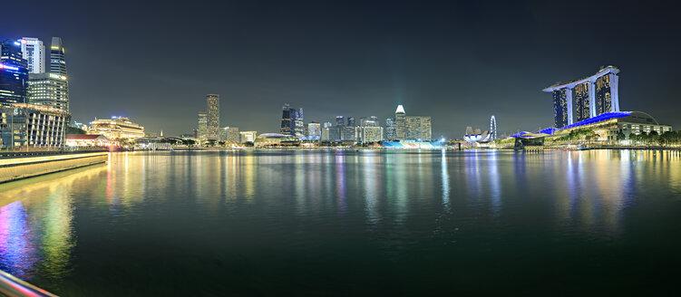 Singapore, view to skyline by night - VTF00599