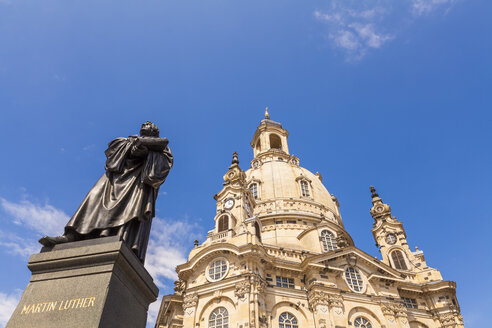 Germany, Dresden, Martin Luther memorial and Church of Our Lady - WDF04188
