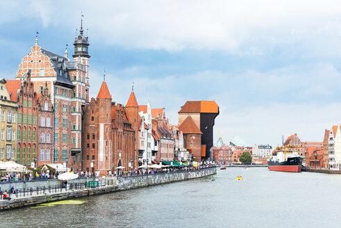Poland, Pomerania, Gdansk, Crane Gate, Museum ship and houses at Motlawa river - CSTF01528