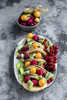 Taco Pancakes with fruits - SARF03430