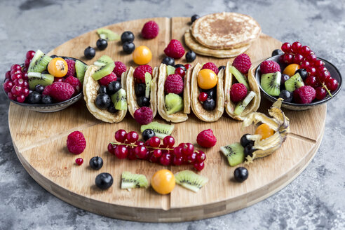 Taco Pancakes with fruits - SARF03433