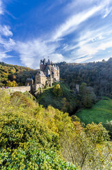Germany, Wierschem, View to Eltz Castle in autumn - MH00428
