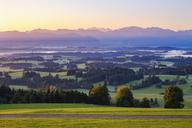 Germany, Bavaria, Upper Bavaria, Allgaeu, Pfaffenwinkel, View from Auerberg near Bernbeuren, Ammergau Alps and Zugspitze - SIEF07638
