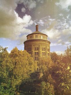Germany, Berlin, Prenzlauer Berg, water tower - GWF05349