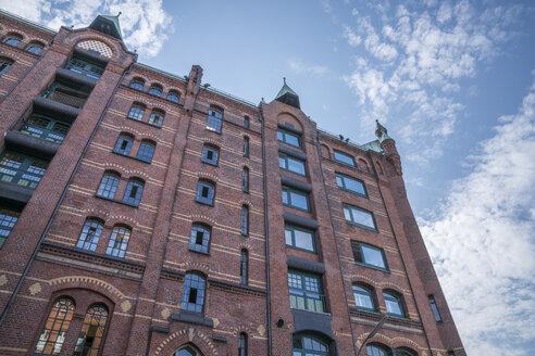 Germany, Hamburg, Speicherstadt, Facade of warehouse - PVCF01240