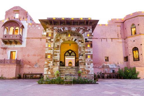 India, Rajasthan, Alwar, Entrance of Heritage Hotel Ram Bihari Palace - NDF00709