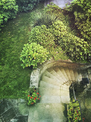 staircase to house entrance and Hydrangea garden of residential house - GWF05364