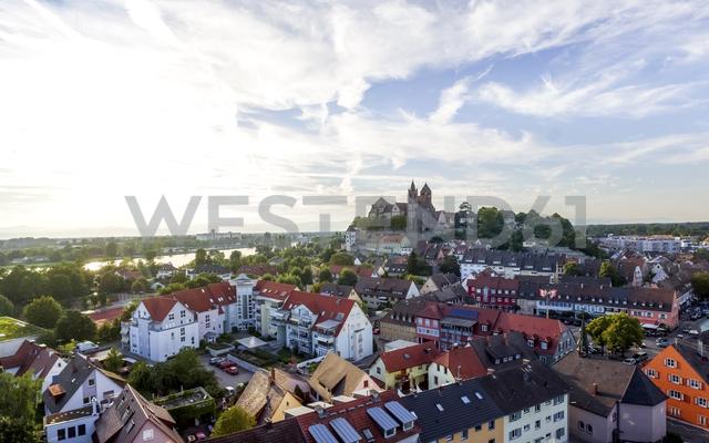 Germany, Baden-Wuerttemberg, Breisach, Old town, View to Breisach Minster - PUF01014