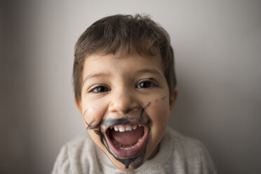 Naughty boy with painted face - JASF01851