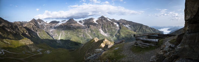 Austria, Salzburg State, View from Edelweissspitze to Grossglockner High Alpine Road and Grosser Wiesbachhorn - STCF00360