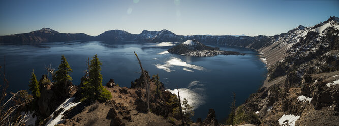 USA, Oregon, Klamath County, Panoramic view of Crater Lake - STCF00378