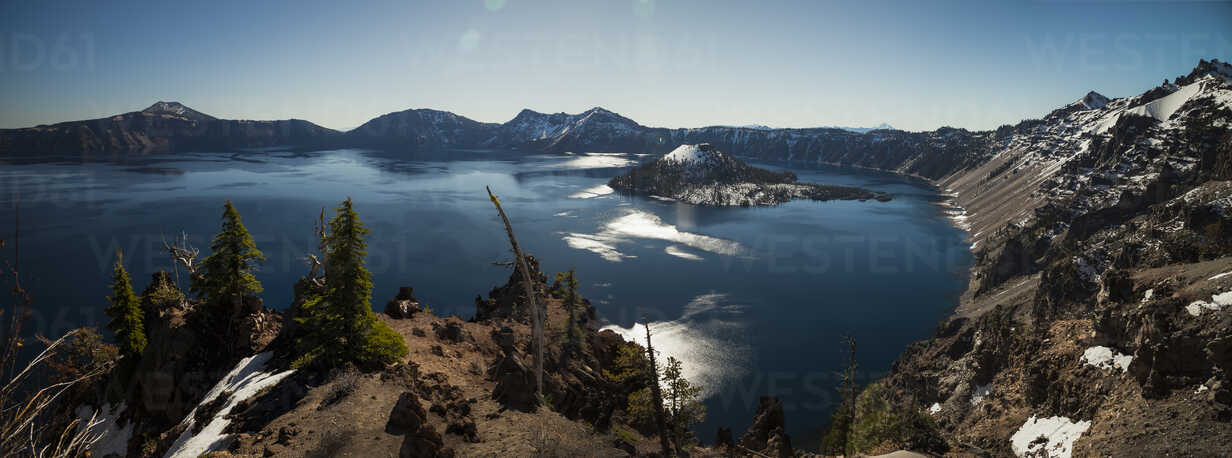 USA, Oregon, Klamath County, Panoramic view of Crater Lake - STCF00378 - Spotcatch/Westend61