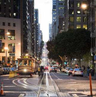 USA, California, San Francisco, California Street at night - STC00387