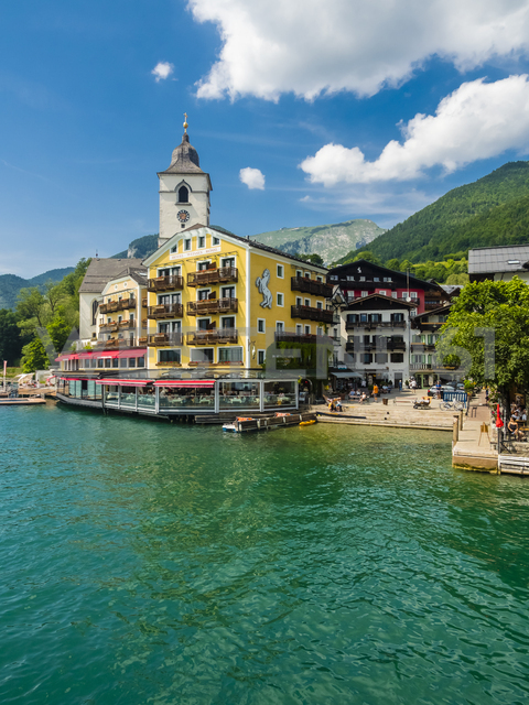 Austria, Salzkammergut, Salzburg State, Lake Wolfgangsee, St. Wolfgang, Hotel Weisses Roessl - AM05581