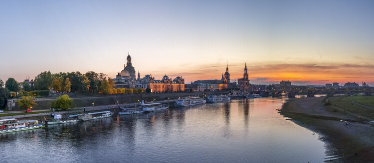 Germany, Saxony, Dresden, Skyline in the evening - PUF01058