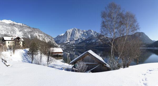 Austria, Styria, Salzkammergut, Altaussee, Altausseer See, Trisselwand - WWF03994