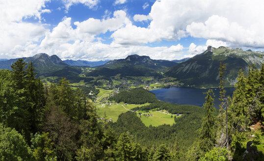 Austria, Styria, Salzkammergut, Ausseerland, View from Tressenstein to Altaussee and Loser - WWF04031