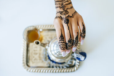 Morocco, woman's hand with henna tattoo, close-up - KIJF01800
