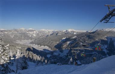 Austria, Upper Austria, Salzkammergut, Gosau, Ski area Dachstein-West, Zwieselalm, View to Gosau, chair lift - WWF04047