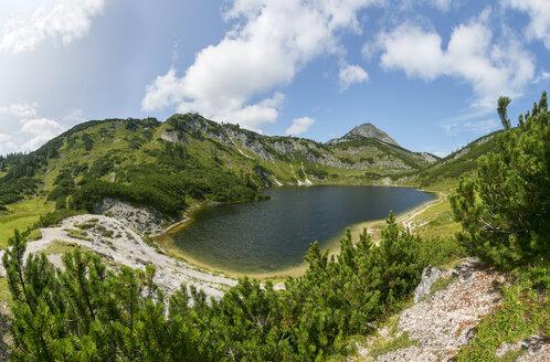 Austria, Upper Austria, Salzkammergut, Totes Gebirge, Wildensee, Rinnerkogel - WWF04052