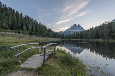 Italy, Alps, Dolomite, Lago d'Antorno, Parco Naturale Tre Cime - RPSF00095