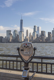 USA, New York City, Manhattan, New Jersey, cityscape with coin operated binoculars - RPSF00116