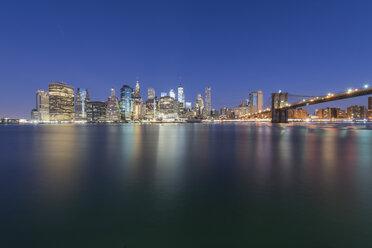 USA, New York City, Manhattan, Brooklyn, cityscape with Brooklyn Bridge - RPSF00161