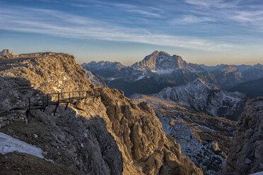 Italy, Veneto, Dolomites, Lagazuoi and Civetta at sunset - LOMF00686